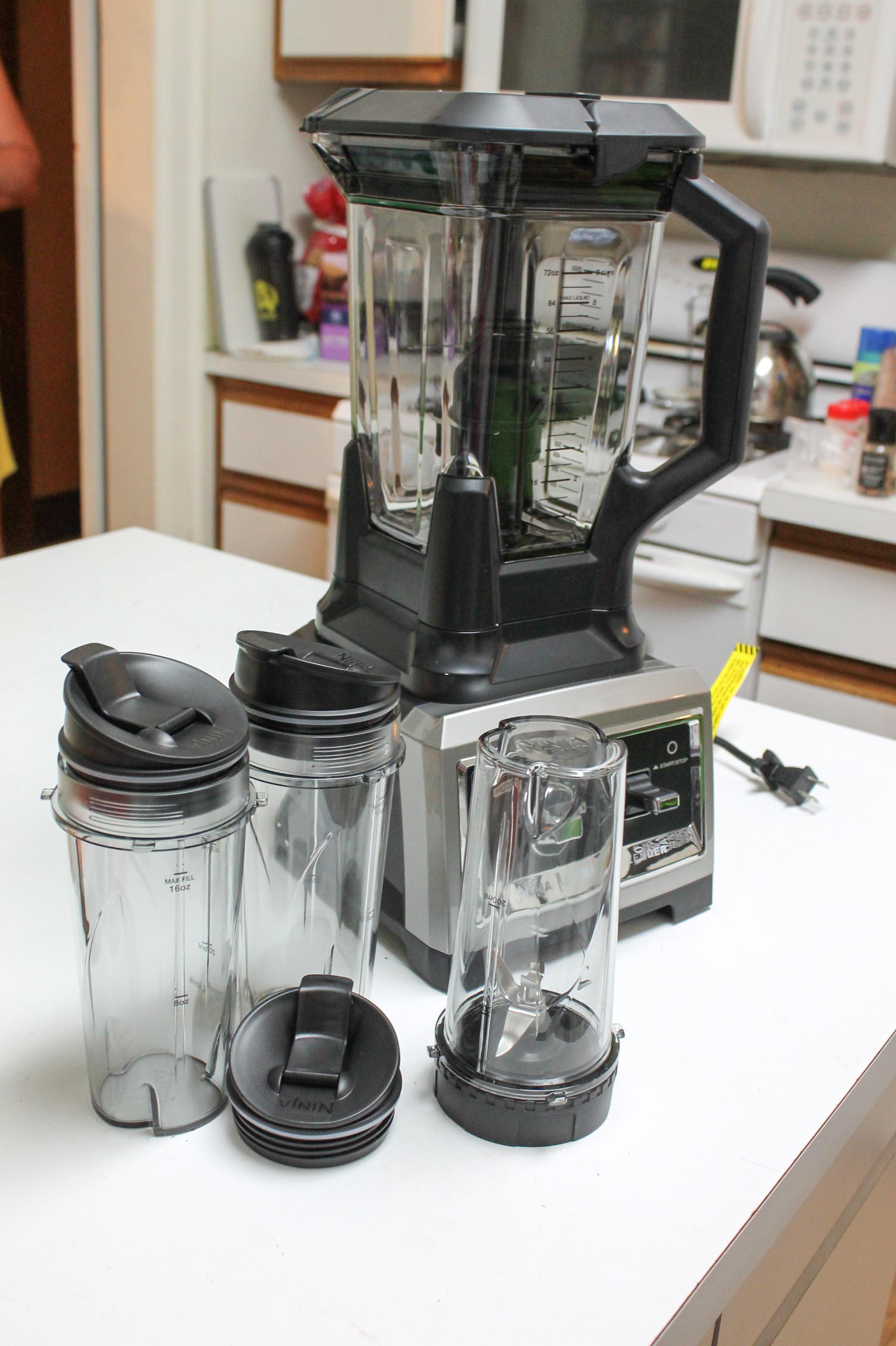 Ninja Blender Review and Cantaloupe Berry Smoothie Recipe