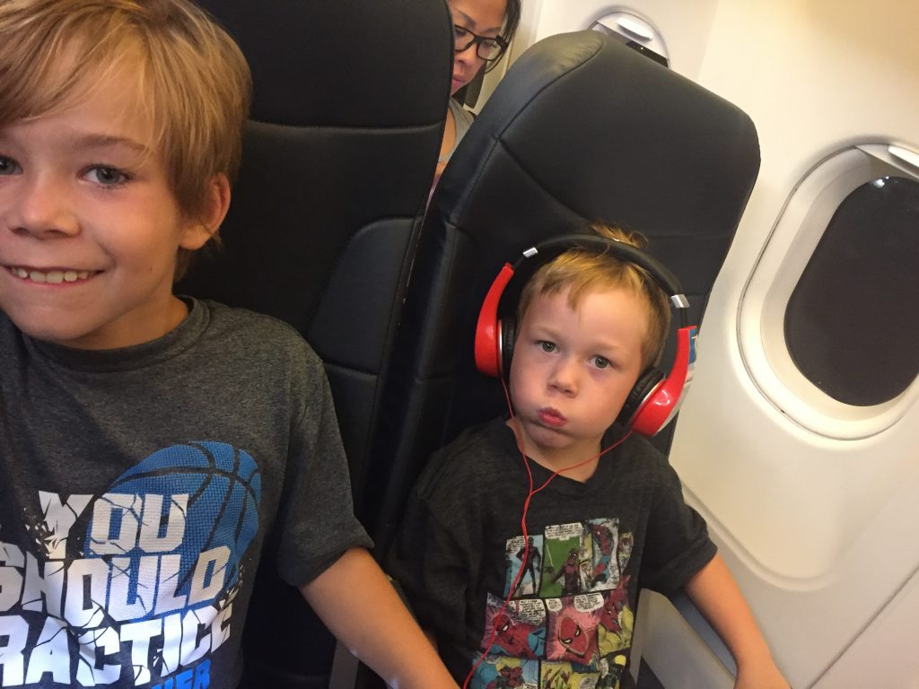 10 Things to you can do to Minimize Stress When Traveling with Children