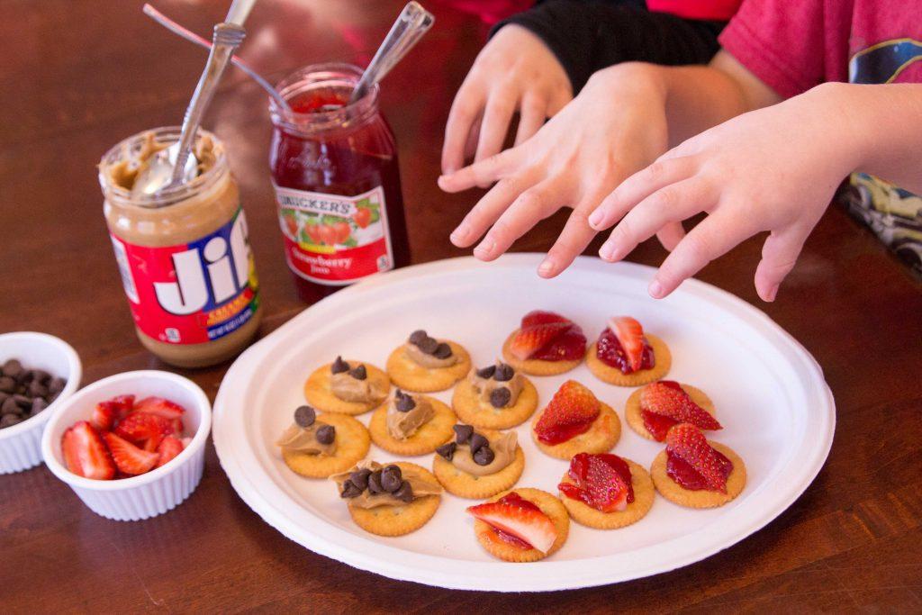 pb-j-cracker-snackers-7