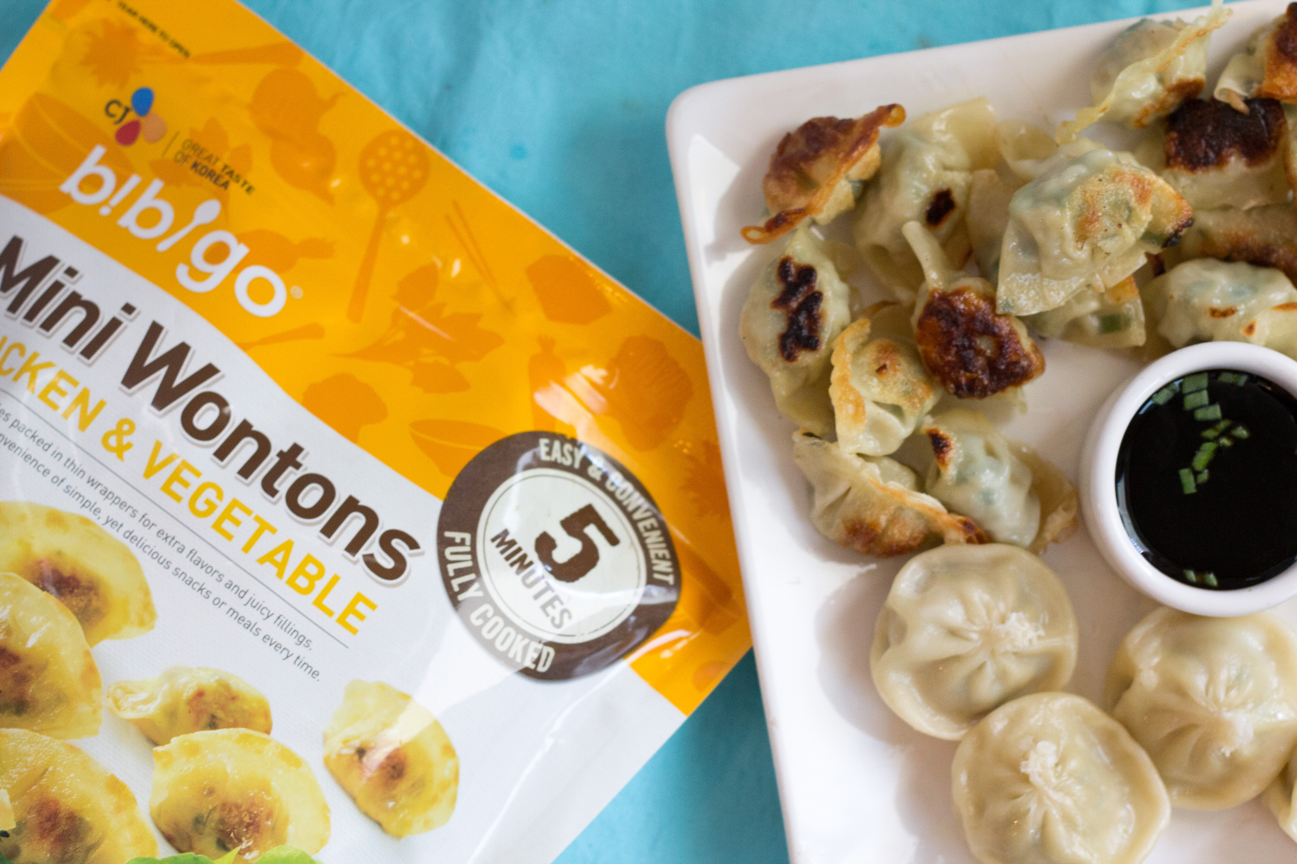 Quick & Easy Chicken Chow Mein & Bibigo Mini Wontons