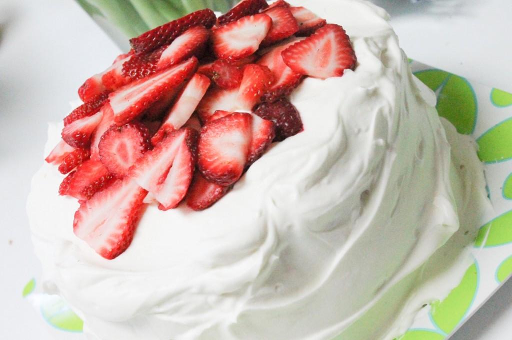 Strawberries & Cream Cake-5