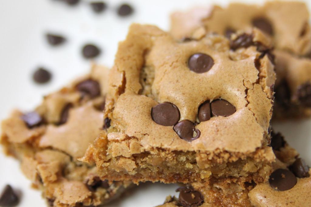 Chocolate Chip Blondies-5