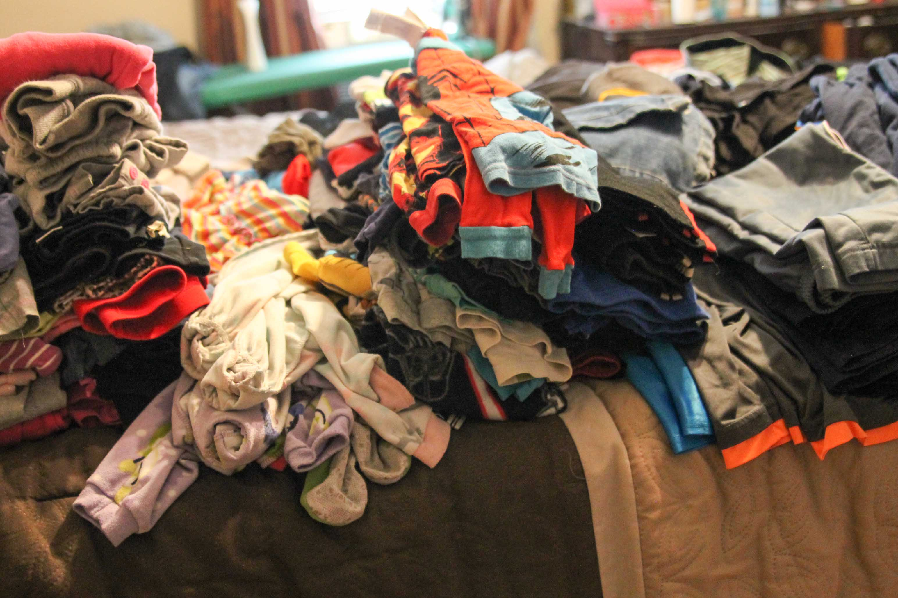 How To Survive The Never Ending Laundry Pile (FREE Laundry ...