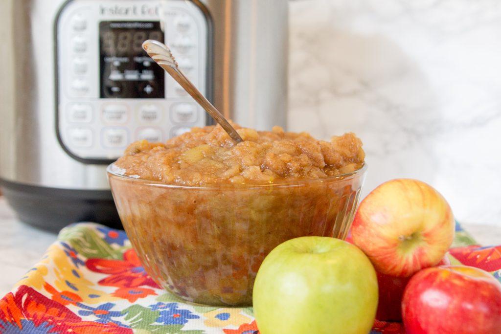 Quick & Easy Instant Pot Cinnamon Applesauce